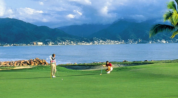 marina-golf-on-water